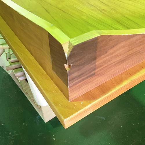 テーブルの傷・色あせ・汚れ・焦げあと・塗装の剥げを修理